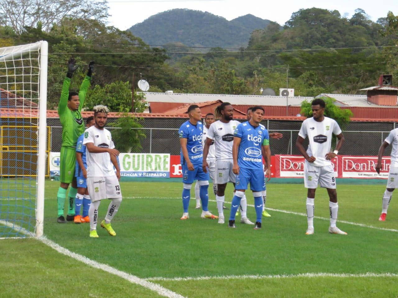 Jicaral ganó por primera vez en el torneo y hunde a un alicaído Limón FC.