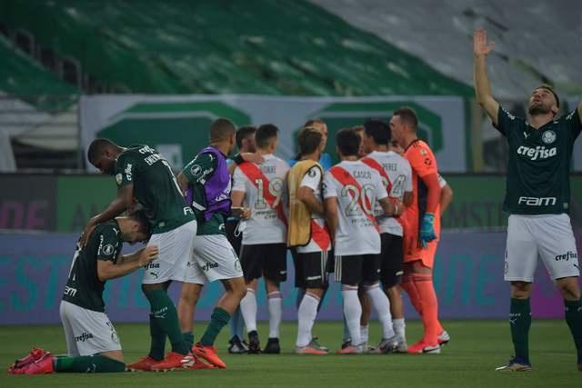 River estuvo a un paso de la noche épica: le ganó al Palmeiras pero no le alcanzó.