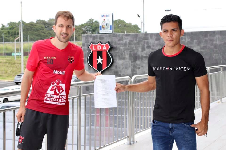 Alajuelense amplía contrato con Alonso Martínez hasta junio de 2023.