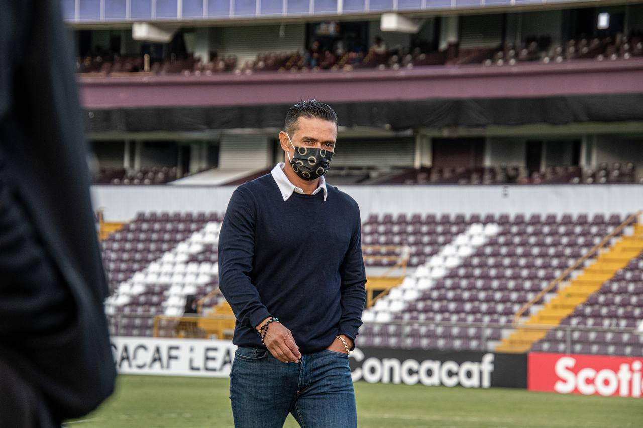 """Walter Centeno: """"El que más quiere jugar bien en este país soy yo, pero también tiene que exigirle a todos que jueguen bien, no sólo a mí""""."""