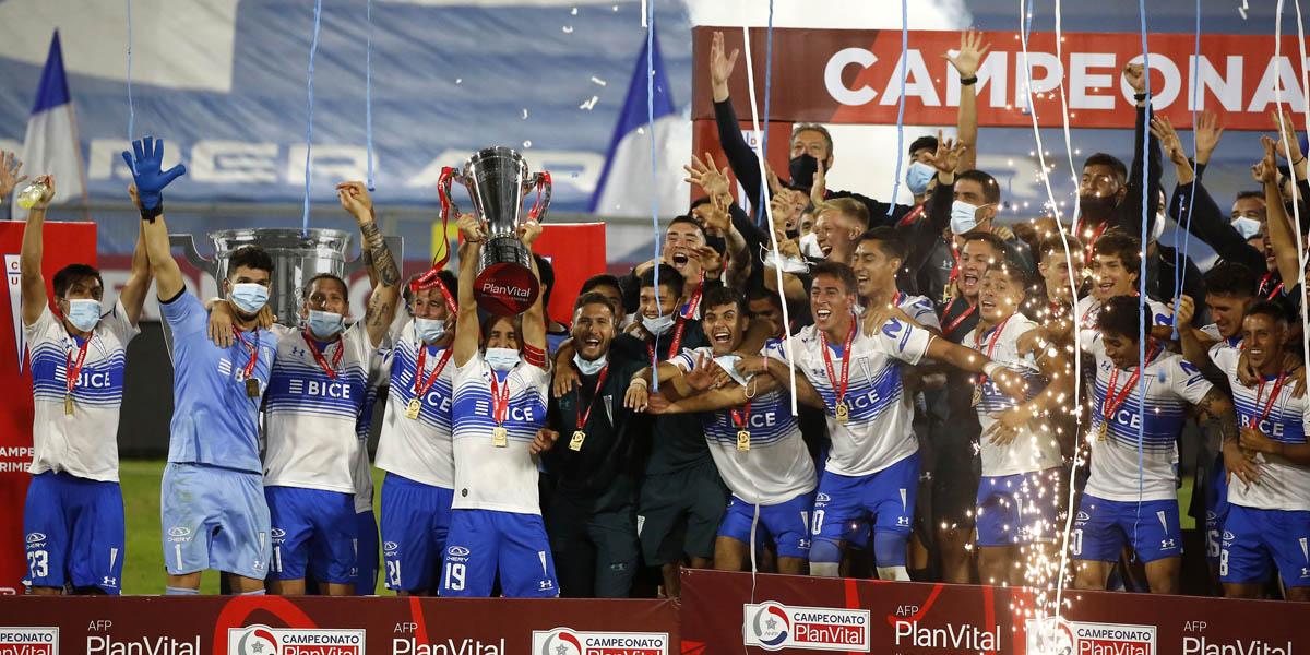 Universidad Católica se coronó tricampeón del fútbol chileno.