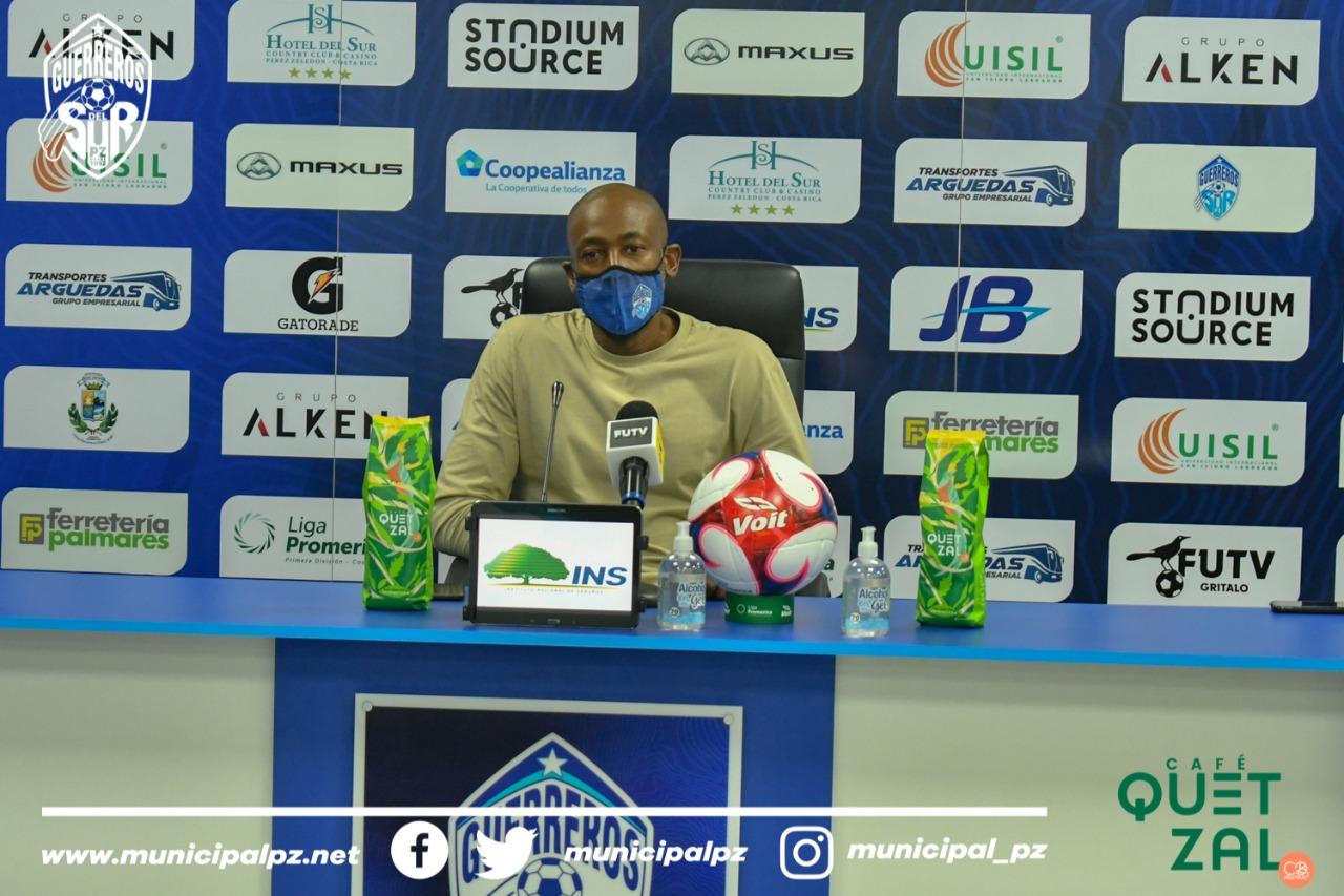 """Paulo César Wanchope: """"Tenemos que encontrar ese balance no sólo en el orden táctico defensivo sino con la pelota""""."""
