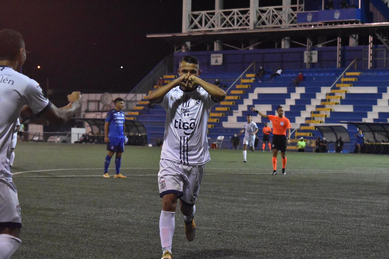 """Guadalupe FC ganó en el Valle de El General a unos """"Guerreros"""" que tampoco ganan con Wanchope."""