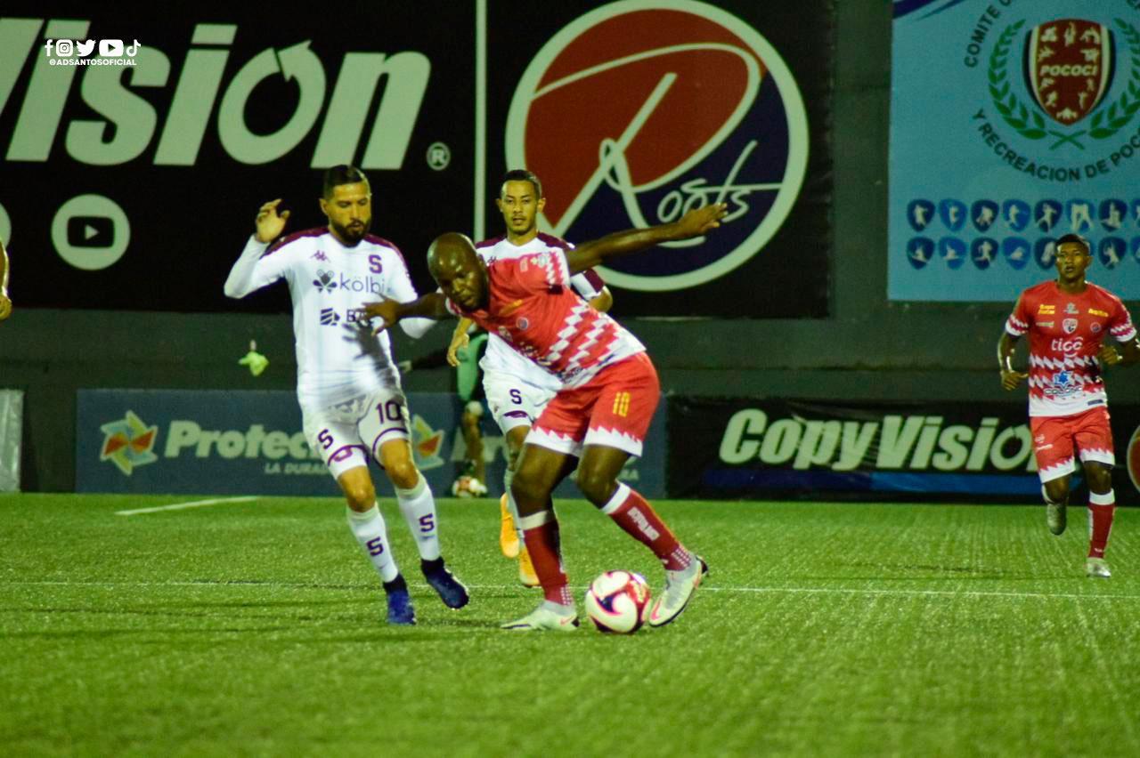 Santos la tuvo, perdonó y permitió que Saprissa rescatara un empate de Guápiles.