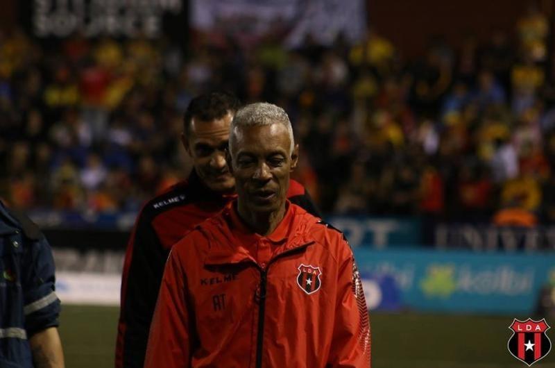 Fallece a los 61 años el exjugador de Liga Deportiva Alajuelense, Hernán Fernando Sosa.