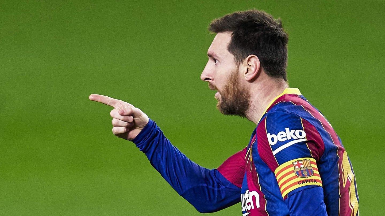 Con doblete de Messi, el Barcelona golea al Elche.