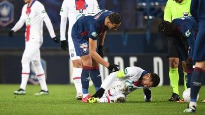 Neymar se lesionó, será baja por cuatro semanas y no jugará contra el Barcelona.