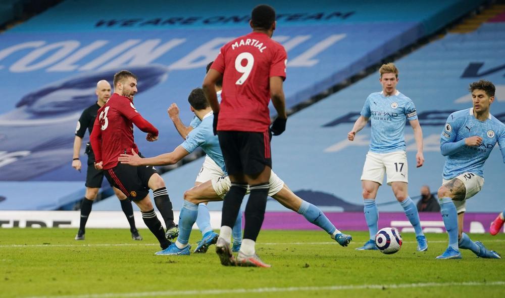 Manchester United frenó la impresionante racha del Manchester City.