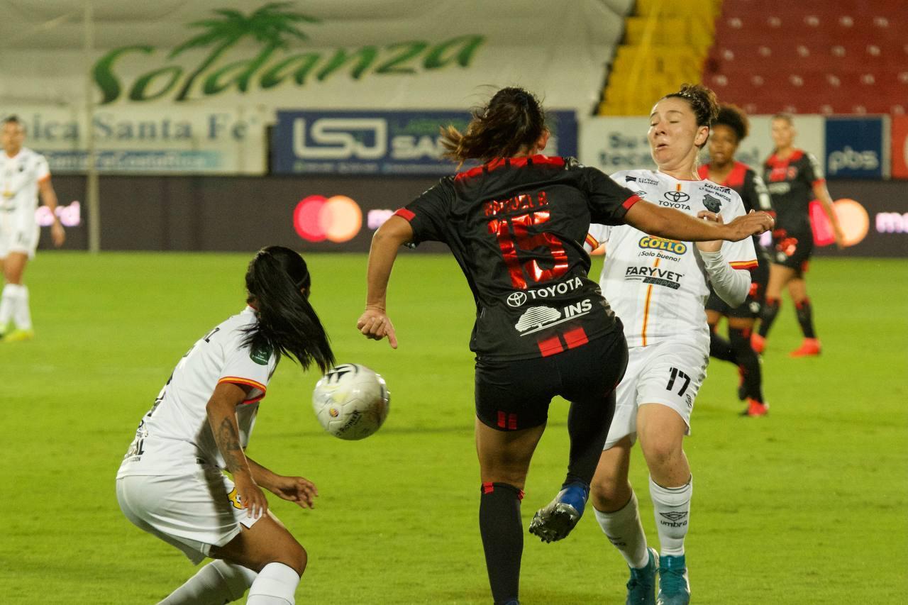 Listo el cuarteto arbitral para la final del fútbol femenino entre Alajuelense y Herediano.