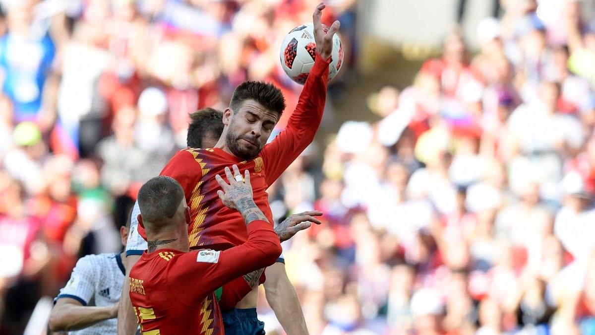 Cambios en la regla para sancionar las manos en el fútbol.