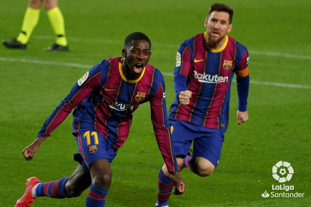 Barcelona se pone a un punto del Atlético en la pelea por la Liga Española.