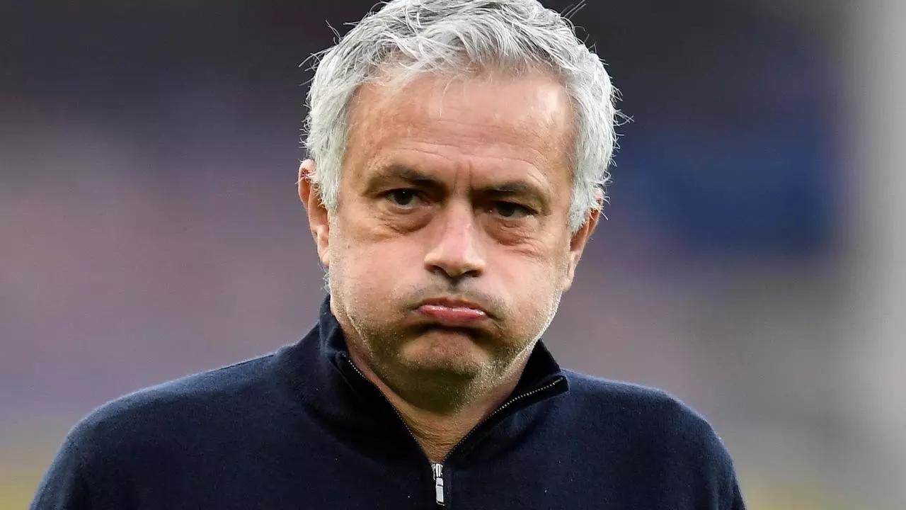 Premier League: El Tottenham destituye a José Mourinho