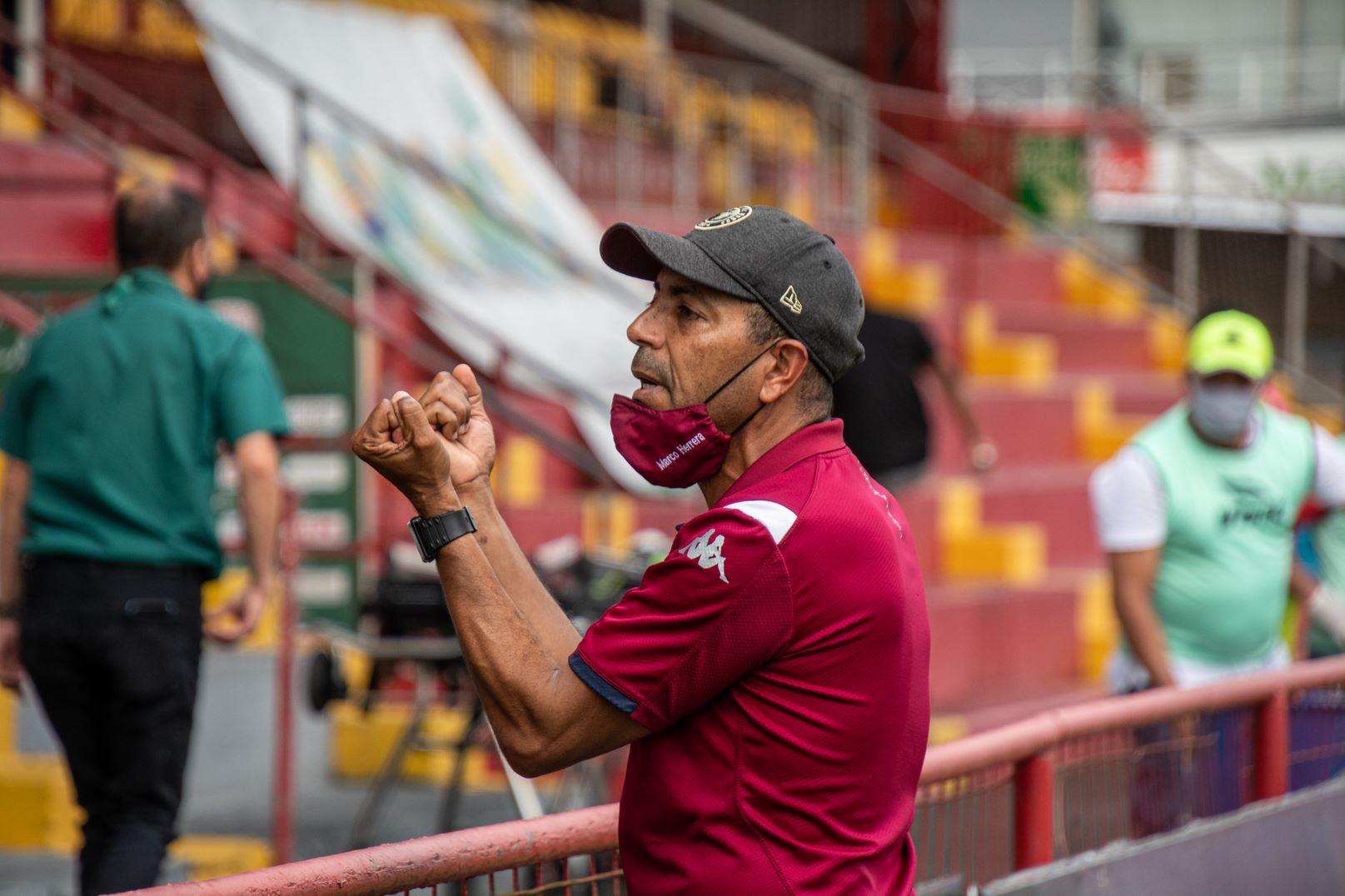 """Marco Herrera: """"Sabemos que tenemos mucha gente en contra, a mucha gente le sirve que Saprissa no esté adentro, pero nosotros jugamos contra todo""""."""