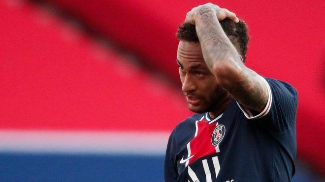 PSG perdió ante el Lille como local y cede el liderato en Francia.