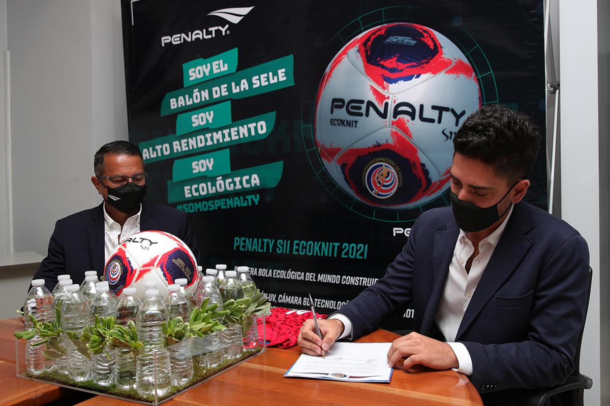 Penalty fortalecerá a las Selecciones Nacionales con el primer balón ecológico certificado por FIFA.