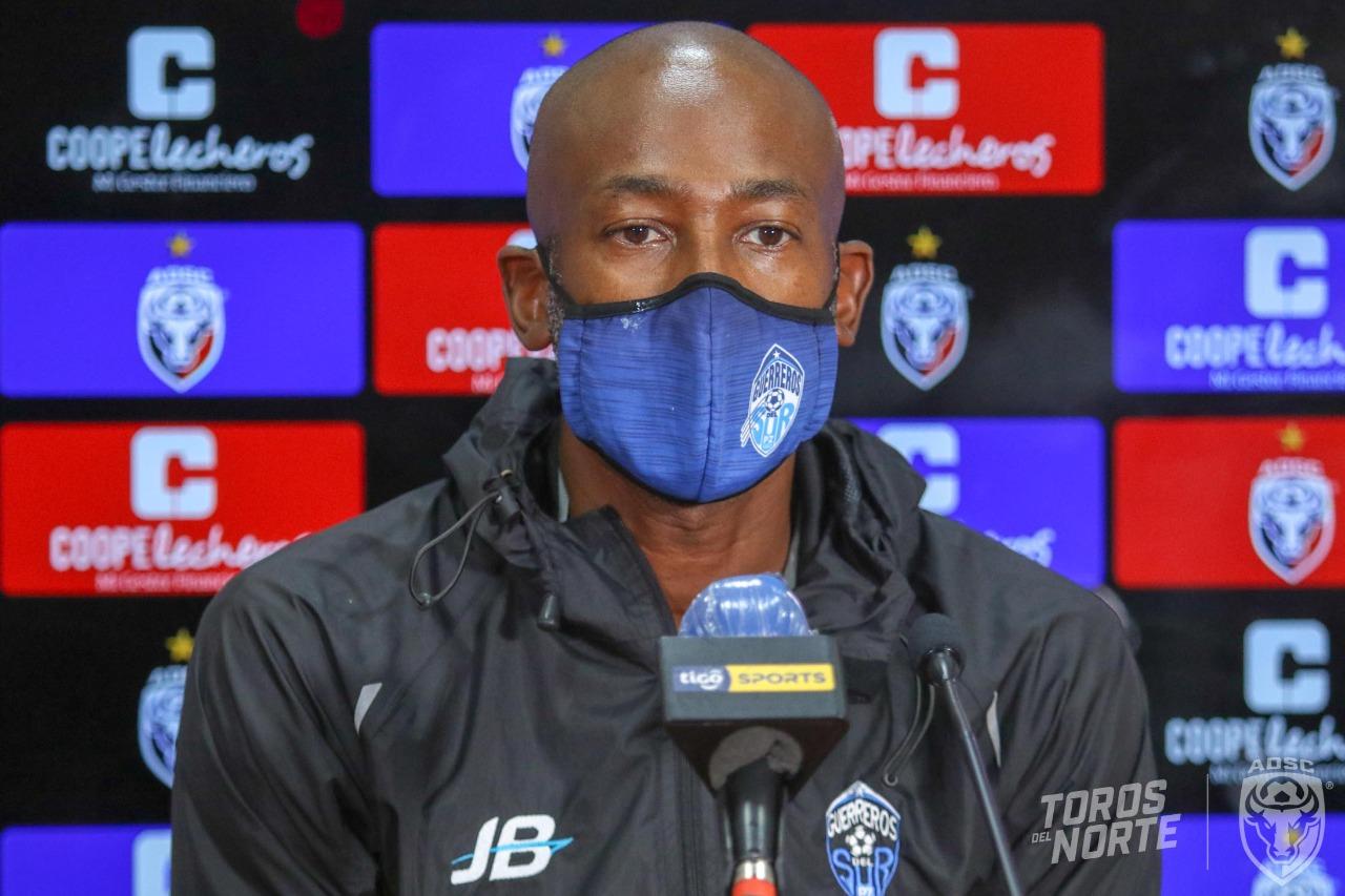 """Paulo César Wanchope: """"Los partidos se ganan en el entrenamiento, en el día a día""""."""