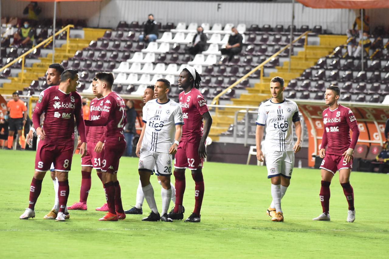 """Saprissa apenas empató en casa ante un Guadalupe FC que le montó baile y que mereció mejor suerte en la """"Cueva""""."""