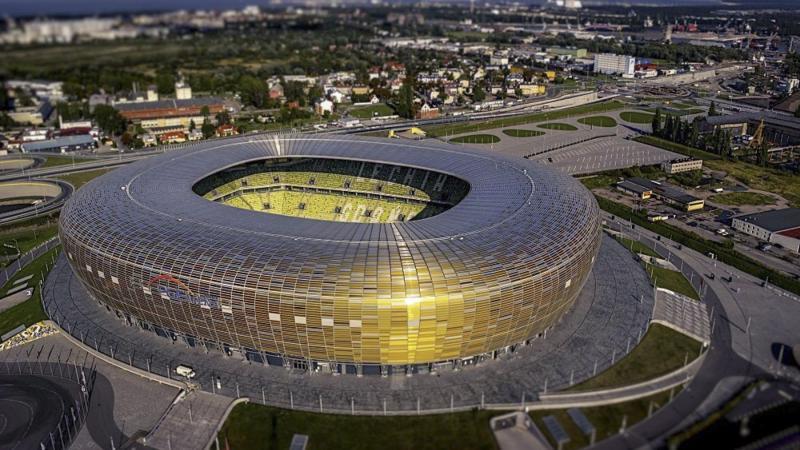 UEFA permitirá hasta 9500 espectadores en la final de la Europa League.