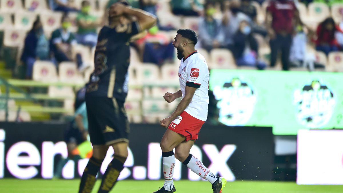León pierde en casa ante Toluca en penales y queda eliminado del Clausura 2021 en la Liga MX.