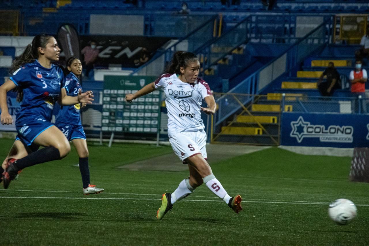 Saprissa derrotó a SUVA Sports y retomó el liderato en la Liga Femenina.