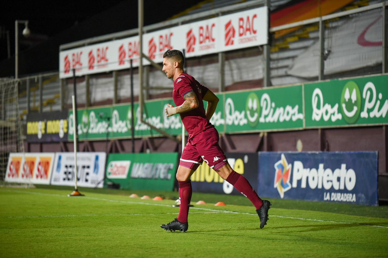 Esteban Espíndola se pierde la final por esguince en su tobillo derecho.