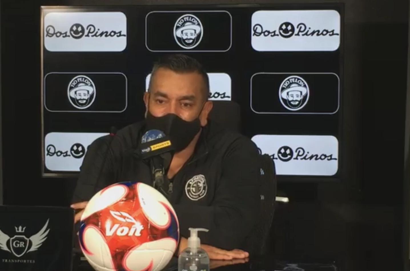 """José Giacone: """"Este torneo está malísamemente programado, los que hicieron este torneo deberían retractarse y que no descienda nadie""""."""