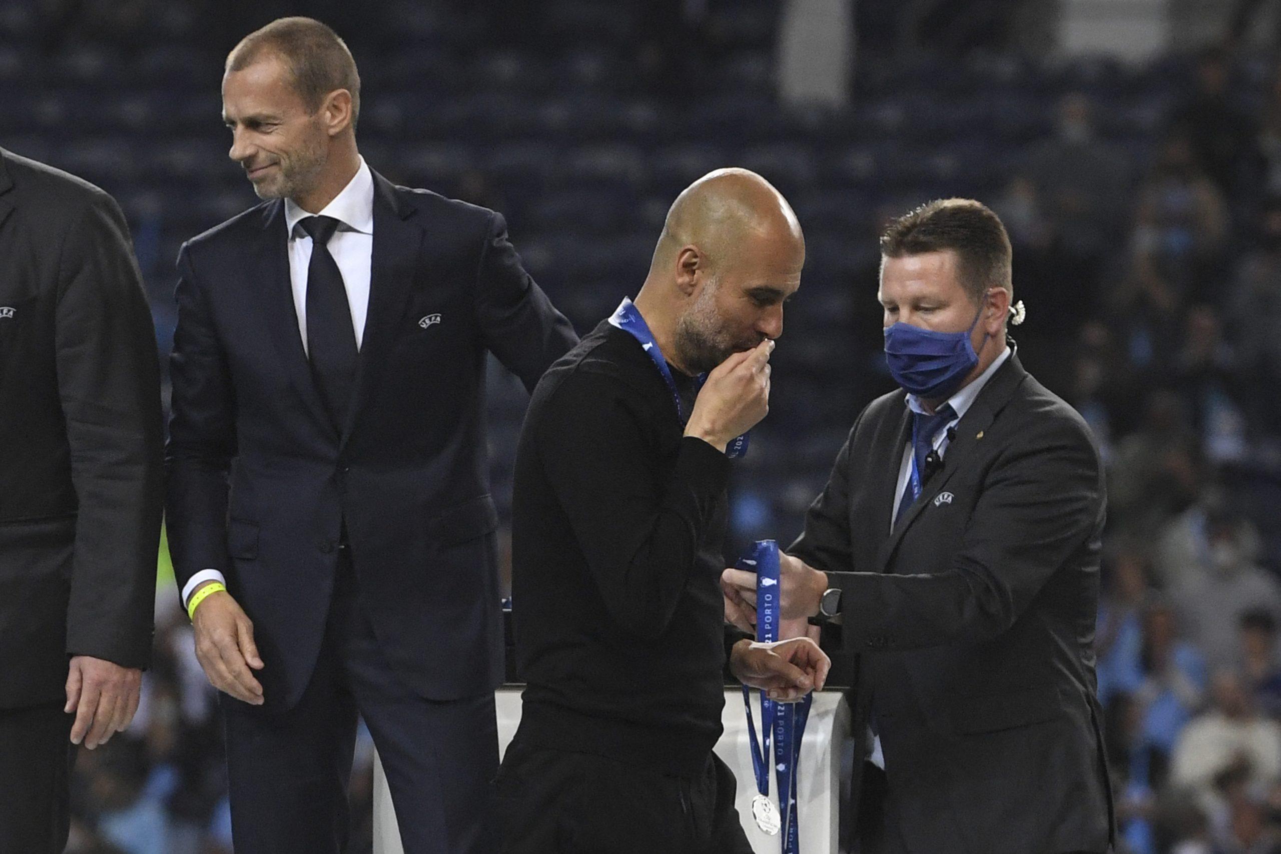"""Papa Francisco destacó el gesto de Pep Guardiola con la medalla de subcampeón de la Champions""""."""