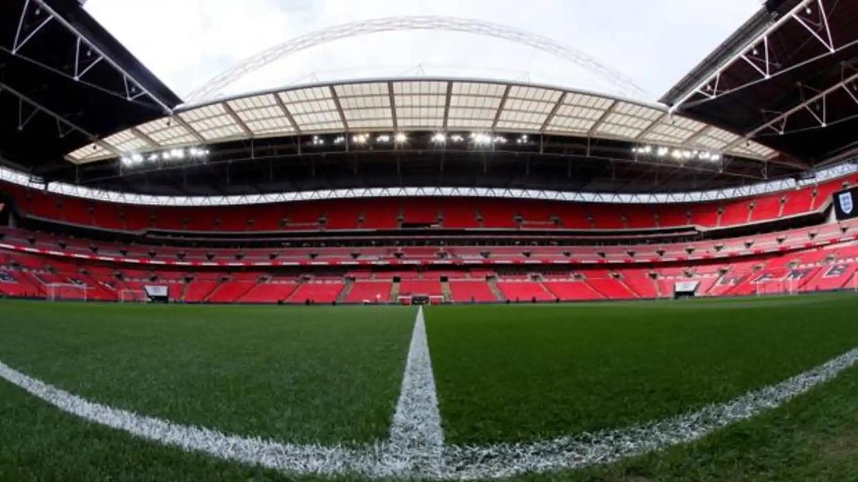 El Gobierno británico pide a la UEFA la final de la Champions en Wembley.