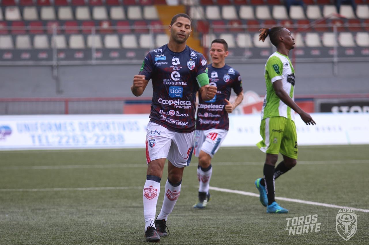 San Carlos golea a Limón FC en Guápiles y lo manda al último lugar del Clausura 2021.