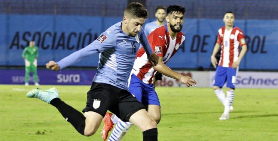 Uruguay y Paraguay repartieron puntos en un intenso partido disputado en El Centenario.