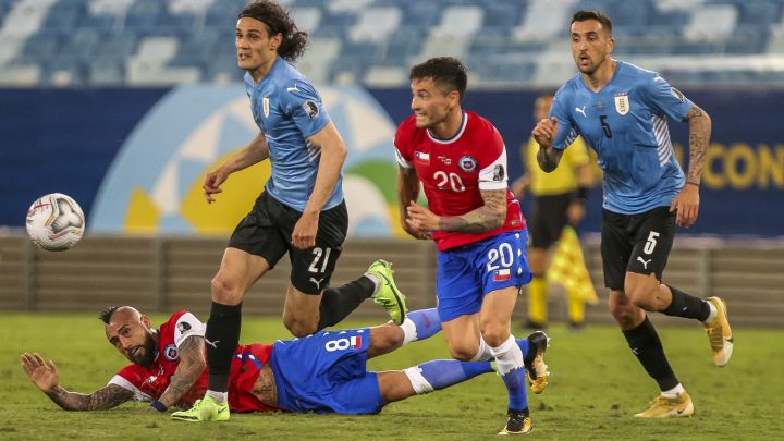 Chile empató con Uruguay y se instaló en cuartos de final.