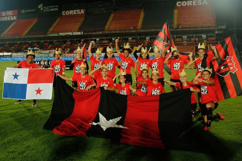 Liga Deportiva Alajuelense logró su primer título en el fútbol femenino tras vencer en penales al Herediano.