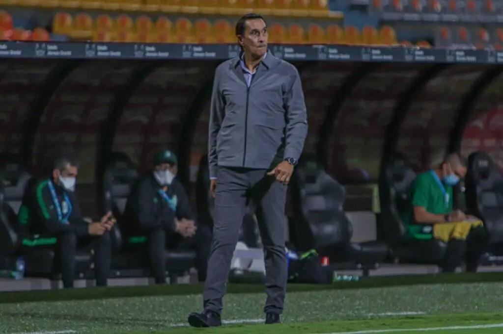 Guimaraes fue destituido como técnico del Atlético Nacional de Colombia.