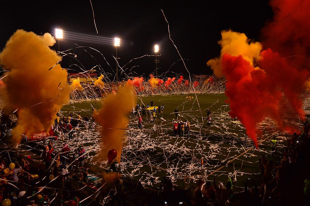 ¡Centenario en rojo y amarillo!