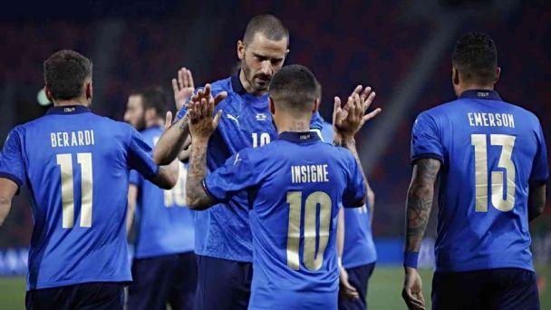 Italia se hizo fuerte en el Olímpico de Roma goleando a Turquía en el comienzo de la Eurocopa.